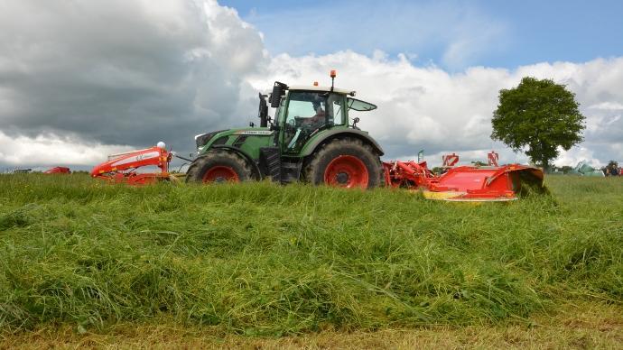 Fauche herbe aléas climatiques