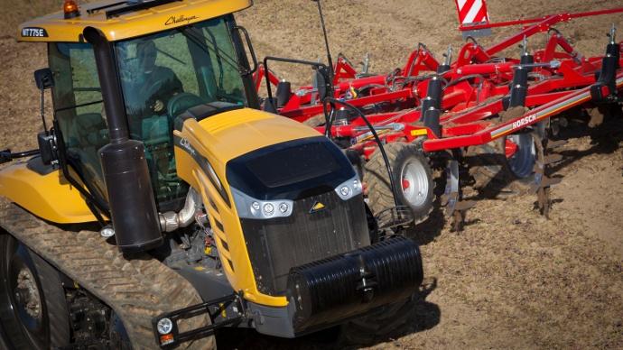 tracteur Challenger MT775E