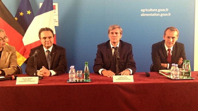 Hanz-Peter Friedrich, ministre allemand de l'Agriculture, aux côtés de Stéphane Le Foll et Guillaume Garot.