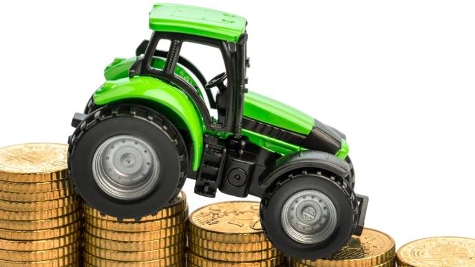 Tracteur et pièce en euros